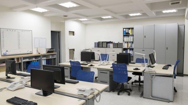 CADオペレーターの仕事風景